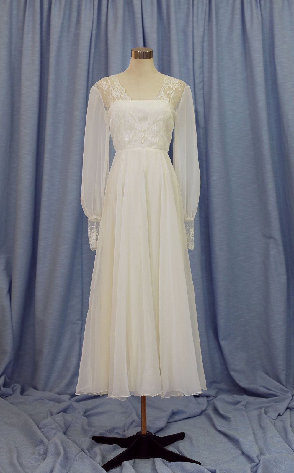 White Cream Vintage 1970s Lace Maxi Wedding Dress with