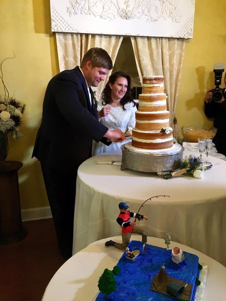 Wedding Couple Cutting the Cake @houseplantation