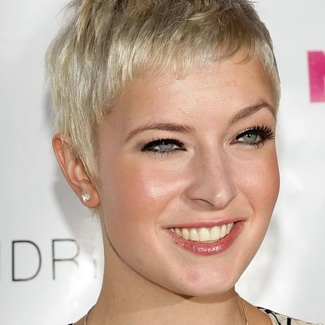 short hairstyles for women with glasses  short hairstyles