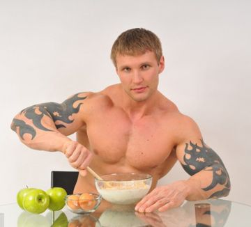 Here are some of the diet for the bodybuilder. For both the bodybuilders, vegetarian and non vegetarian. Click the link and check your diet.