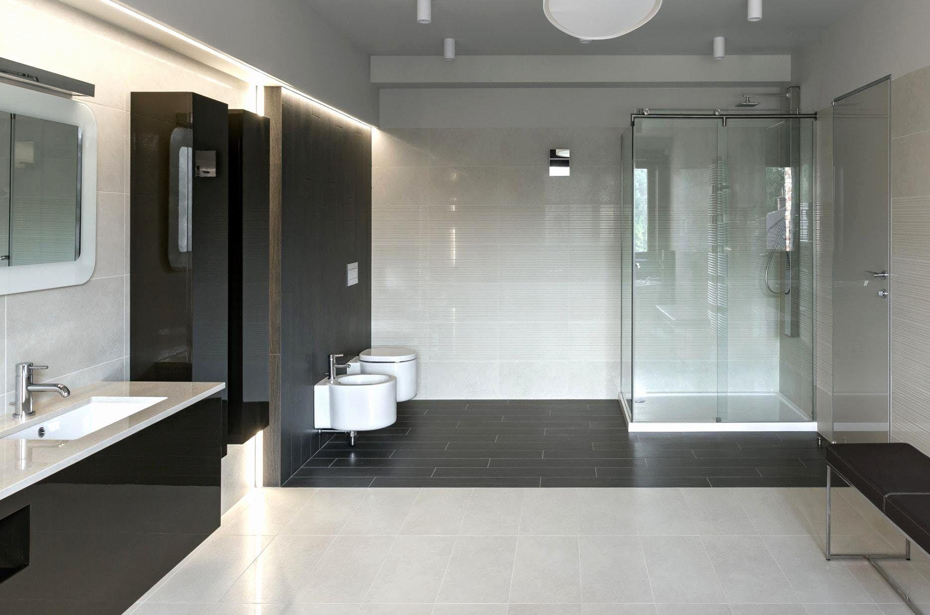 15 Badezimmer Schwarz Weiß Schön Badezimmer Schwarze Fliesen