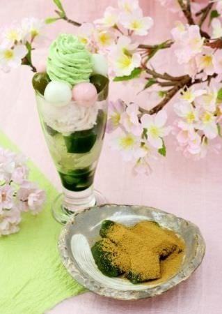 さくらパフェと抹茶わらびもちのセット!茶寮都路里の「花まつり」--さくらアイスや白玉入り - Yahoo! BEAUTY