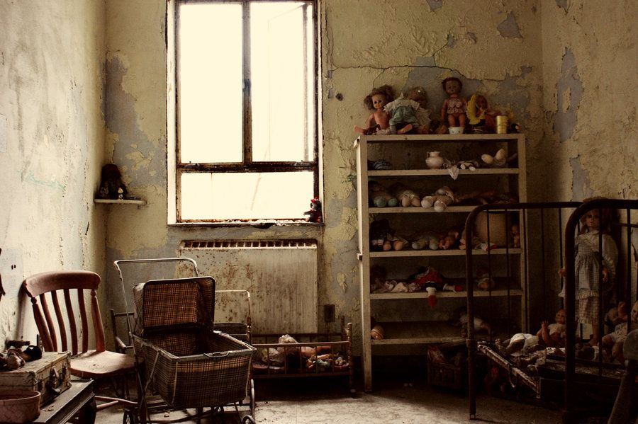 Haunted nursery by on for Haunted room ideas