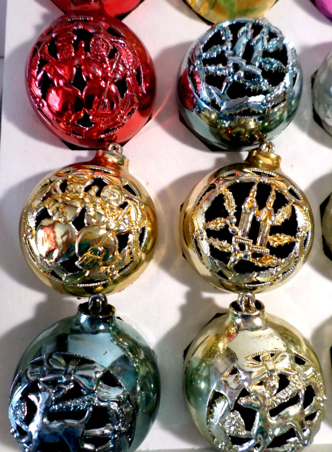 16 Plastic Bradford Bradford Ornaments Made In Usa 1950s Etsy How To Make Ornaments Vintage Christmas Ornaments Christmas Decorations