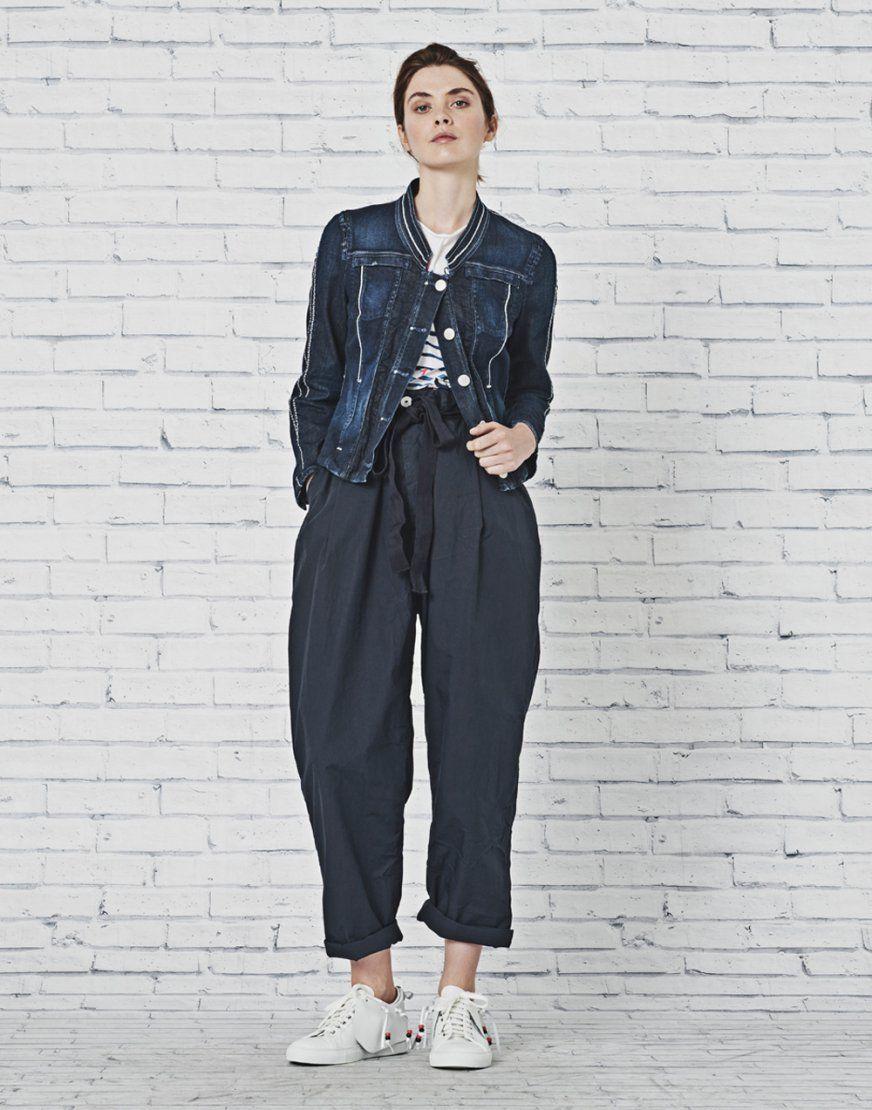 Veste en jean avec pantalon bleu
