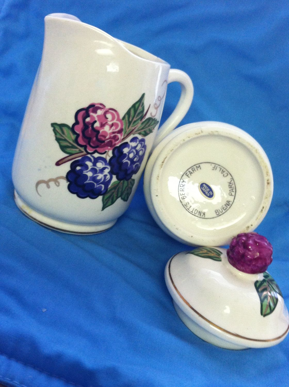 Sale Vintage 1950s Or 1960s Knotts Berry Farm Ceramic Creamer And Sugar Bowls Boysenberry Buena Park Californ Knotts Berry Farm Knotts Berry Vintage Bowls