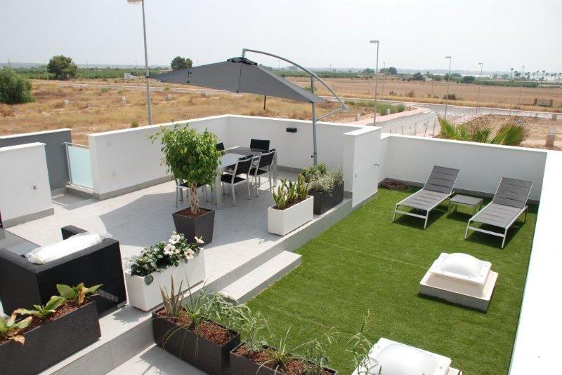 Solarium Modelo Donana Residencial Laguna Park Guardamar Alicante Espana Un Lujo Al Alcance De Quien Tiene Buen Diseno De Azotea Patio En La Azotea Aticos