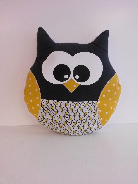 coussin hibou ton gris jaune couture pinterest gris jaune jaune et gris. Black Bedroom Furniture Sets. Home Design Ideas