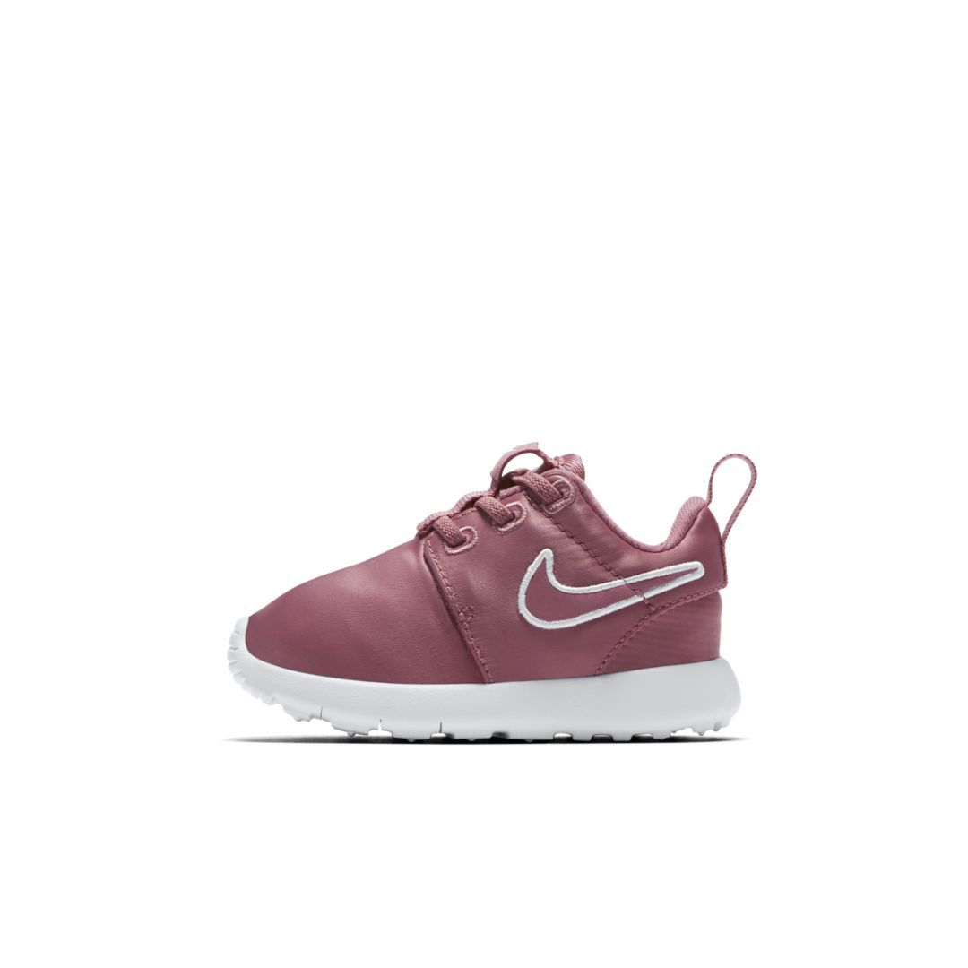 40fae74cec334 Nike Roshe One Infant Toddler Shoe Size 6C (Elemental Pink)