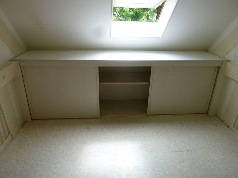 placard-sous-pente | Déco Pallier 1er étage | Pinterest | Placard ...