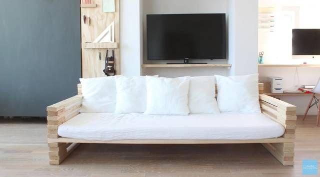 2x4材を使って簡単ソファをdiy Diyer S 2x4材を重ねるだけで作れるソファの作り方をご紹介 手作りソファー ソファ Diy 作り方 ソファー 作り方