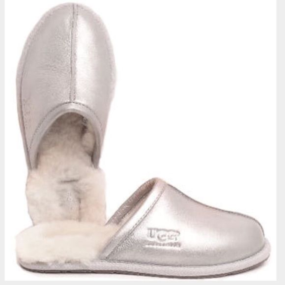 UGG authentic pearle silver slippers Sz 7 new UGG authentic pearle silver  slippers Sz 7 new 100% authentic box is missing the Lid UGG Shoes 006182b7b