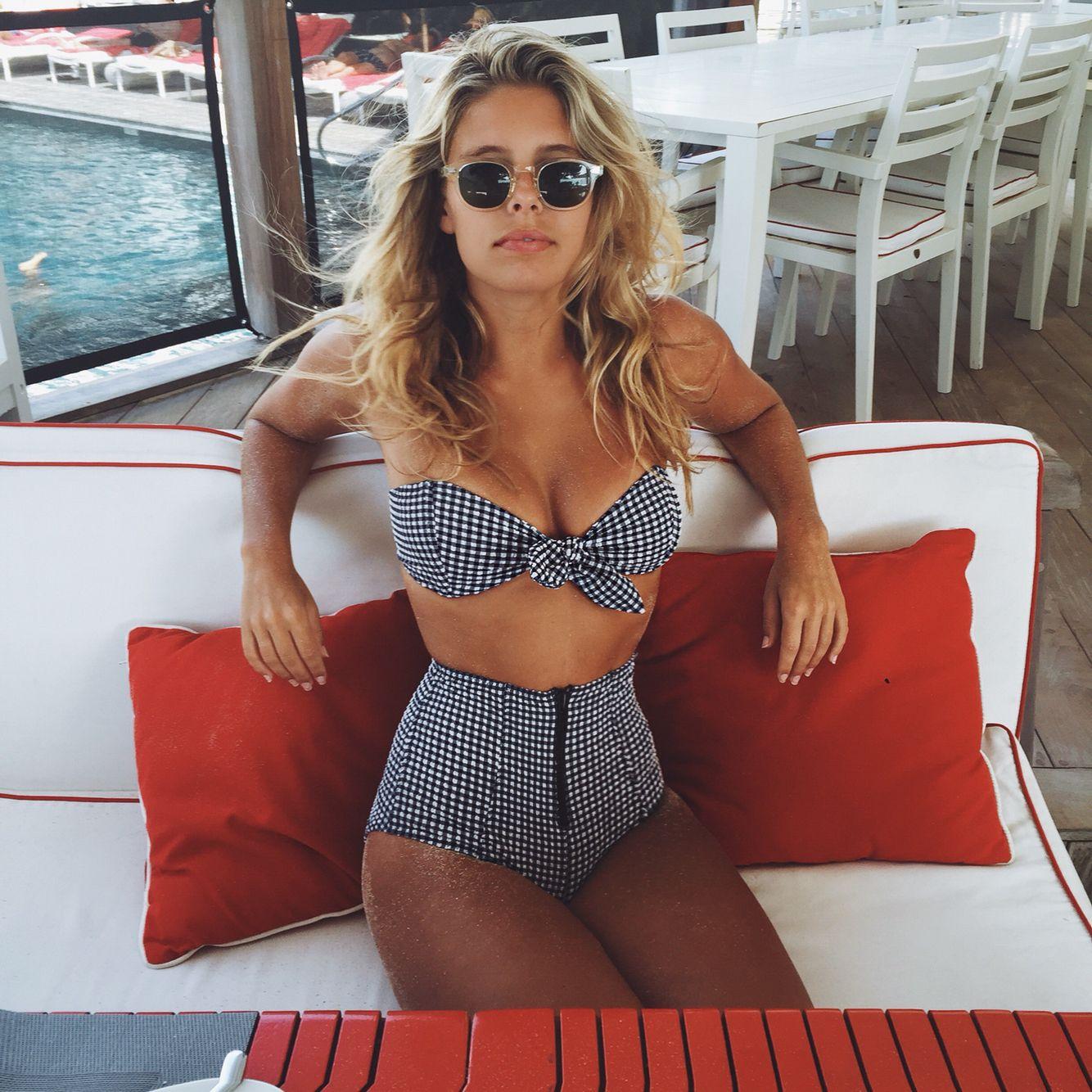 Bikini blogger Natasha Oakley shows off her curves in St Barts