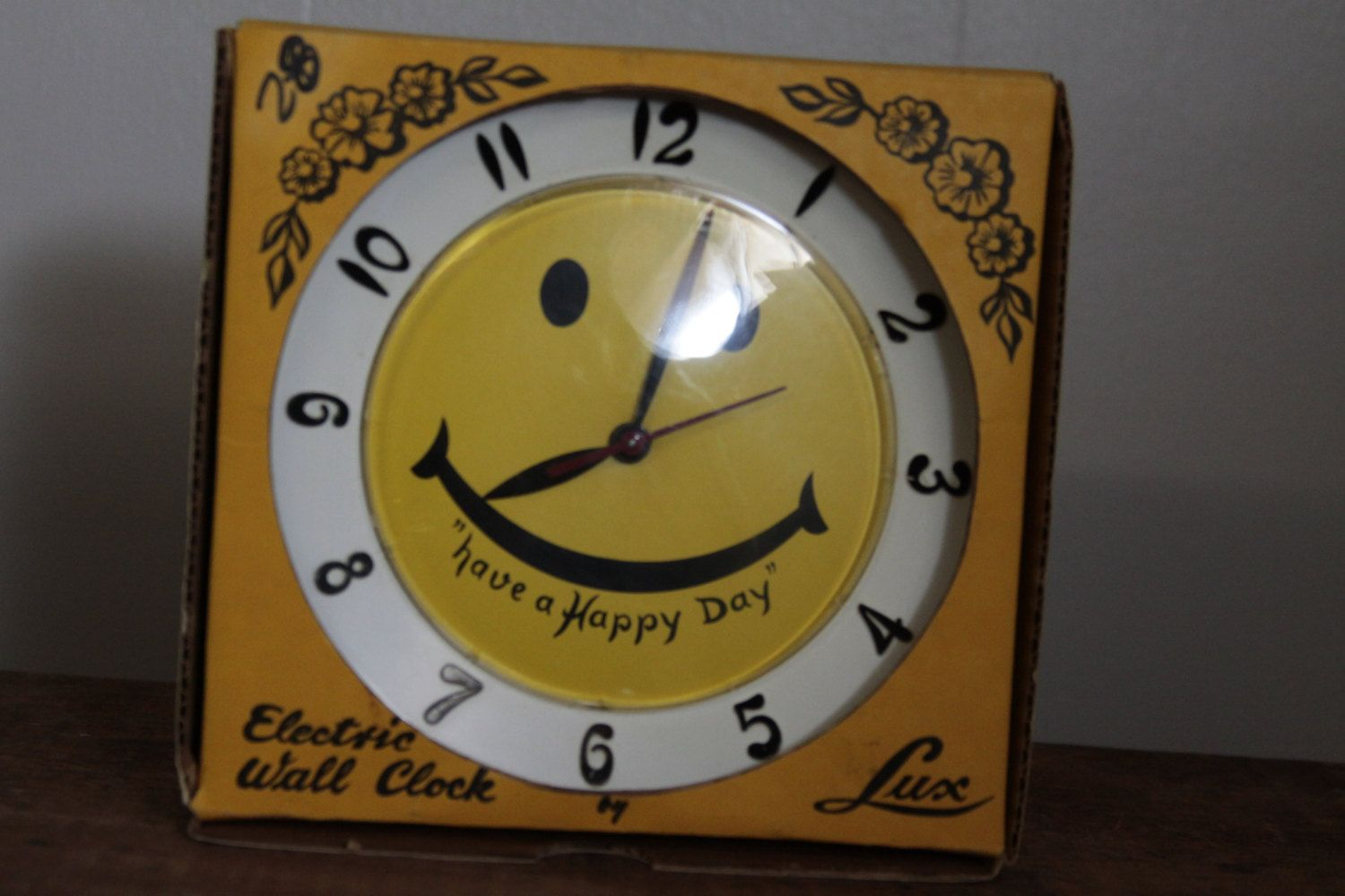 Atomic Wall Clocks Made In Usa Vintage Lux Clock Yellow Smiley Face Have A Happy Day