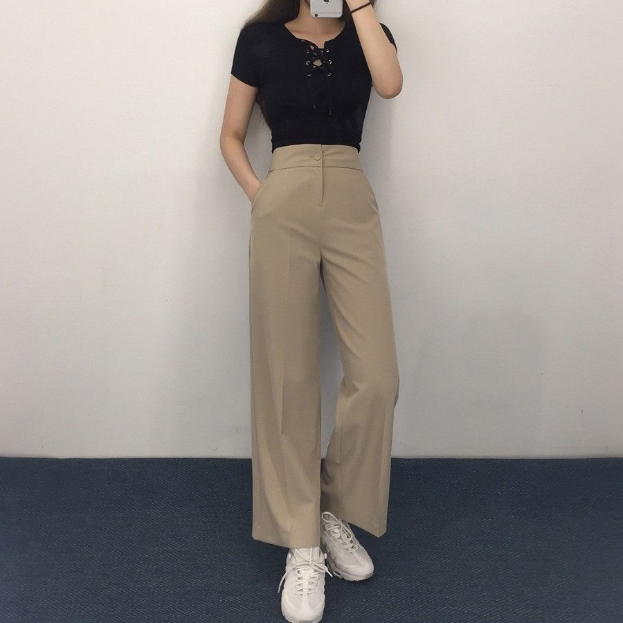 QUIETLABLace-Up Front Cropped T-Shirt | mixxmix