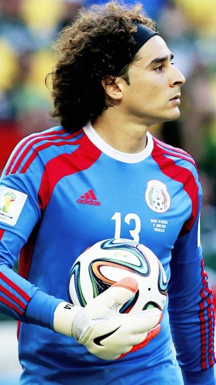 Memo Ochoa - 2014 World cup b675bf362