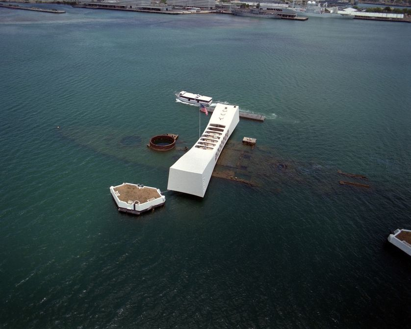 8 shipwrecks that could sink the environment Uss arizona