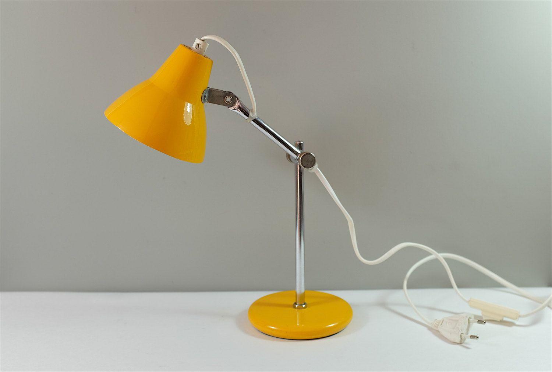 Lampe De Lecture Vintage Jaune Reglable Petite Lampe De Bureau Jaune Vintage Lampe Retro By Decadisme On Etsy Adjustable Lamps Yellow Desk Lamps Lamp