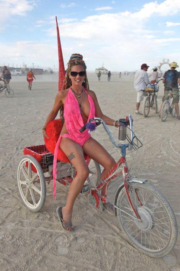 Pretty Girls Of Burning Man 25 Pics  Bm Inspiration -1097