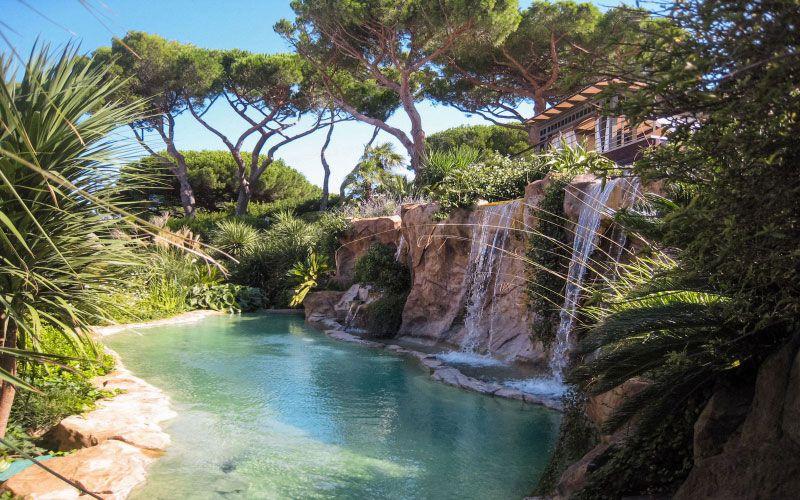 Préférence Piscine naturelle avec cascade et mur d'eau | piscine | Pinterest  TJ65