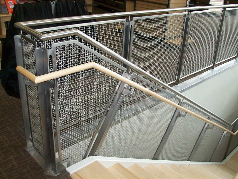 Best Exterior Stainless Steel Mesh Guard With Handrails Chrome 400 x 300