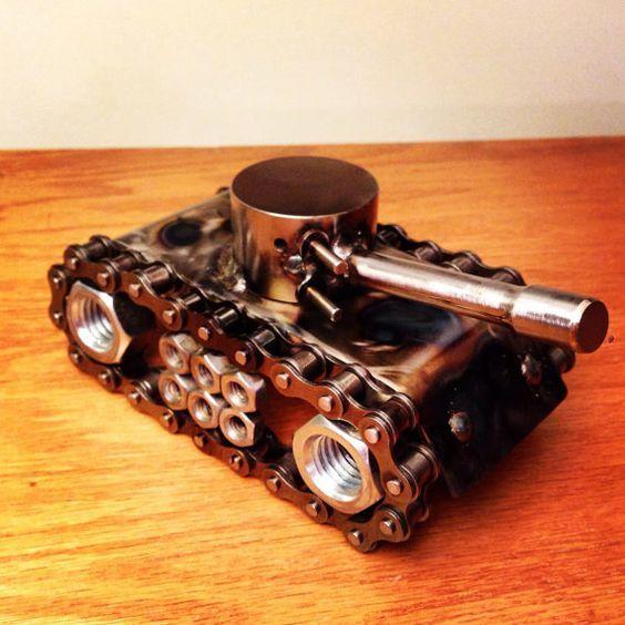 Metal Art Battle Tank By Thedarkmetalartstore On Etsy Scrap Metal Art Metal Art Metal Art Welded