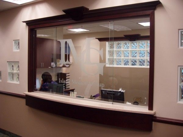 Receptionist window reception no glass office decor for Office window ideas