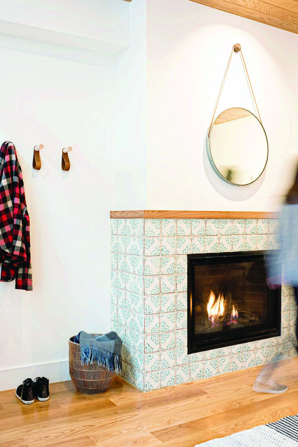 how to clean fireplace glass while hot