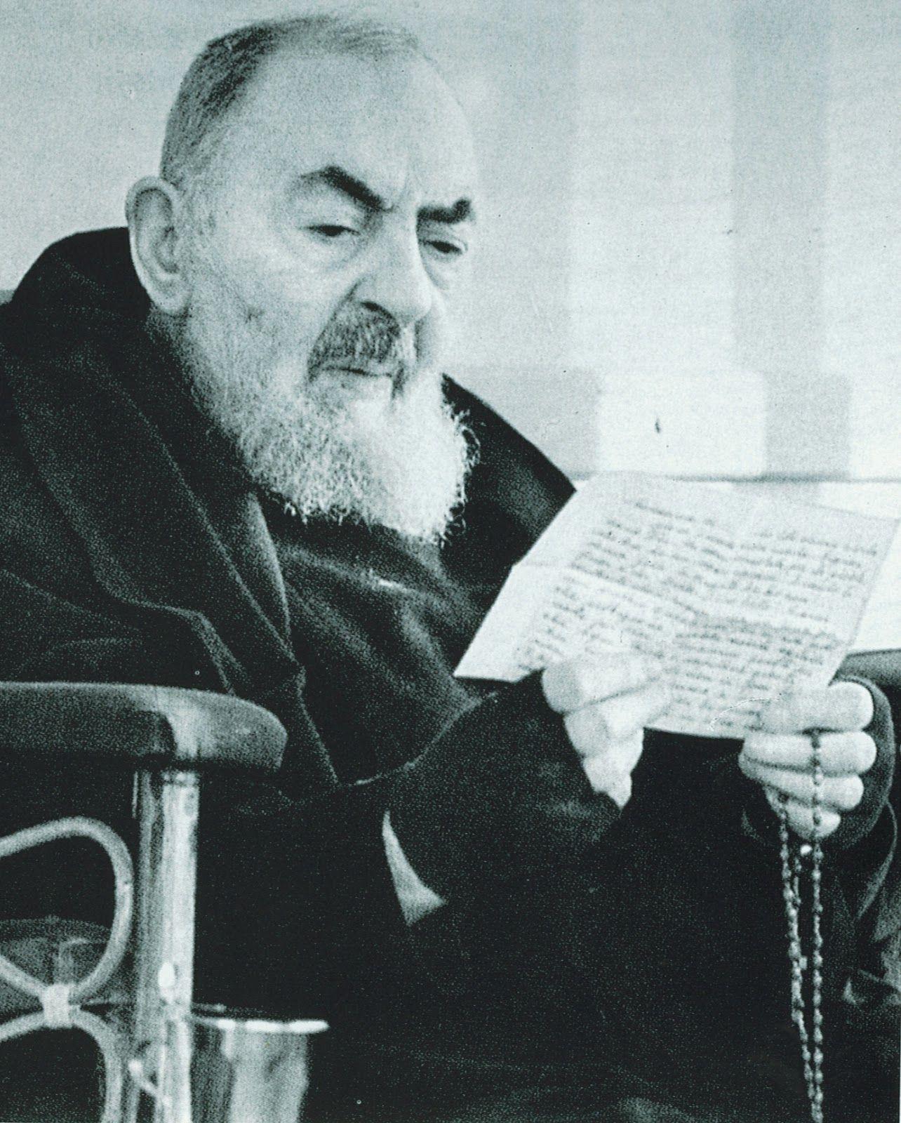 No des lugar en tu alma a la tristeza | San Pío de Pietrelcina