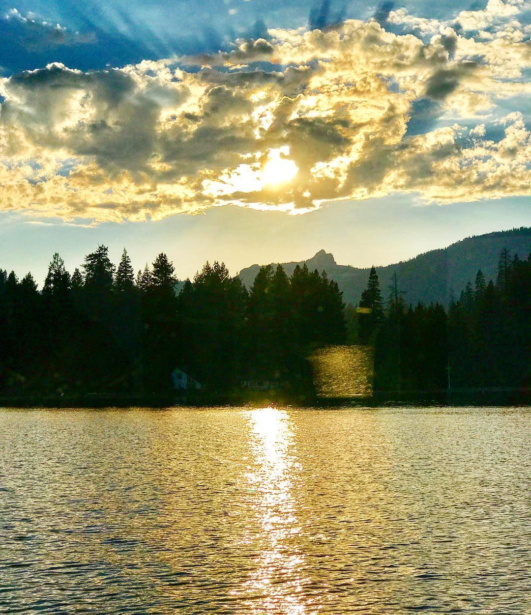 Boating around Lake Tahoe like I own this place!  . . . #hosted #RSCSummer17 #lifestyleblogger #travelblogger #laketahoe #nevada  #TravelStoke #passionpassport #worlderlust #cntraveler #pursuepretty #flashesofdelight #livecolorfully #travelblog #IFWTWA  #BeautifulDestinations #BeautifulMatters #traveldeeper #travelstoke #TravelDudes #meetthemoment #skimbaco #boatinglife #tahoe #tahoelife #lakelife