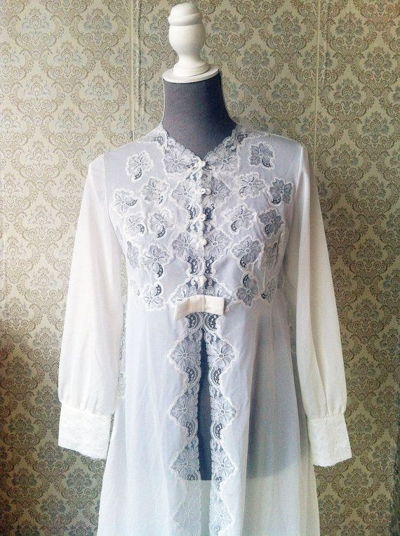 Vintage white dressing gown with Lace by altmeansold on Etsy, $27.00 ...