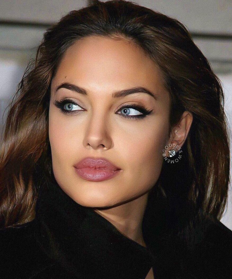 Angelina Jolie Angelina Angelinajolie Beautifulcelebrities Celebrityphotos Jolie Gesicht Schonheit Frisuren