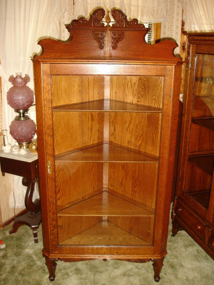 Fine Antique 1900 10 Oak Corner China Cabinet Curio