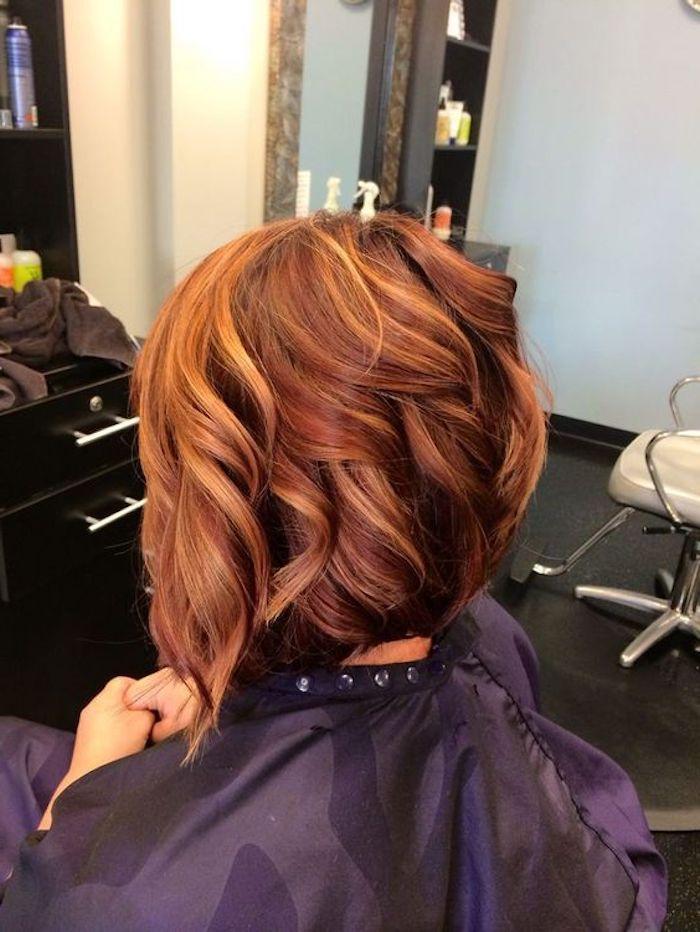 coole frisuren, kurze, lockige, rote haare mit dunkelblonden