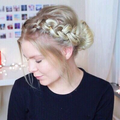 Top 100 christmas hairstyles photos Have you seen my latest video on christmas updos?? Check it out on my channel - Link in my bio 💁🏼💁🏼💁🏼 #hairupdo #christmashairstyles