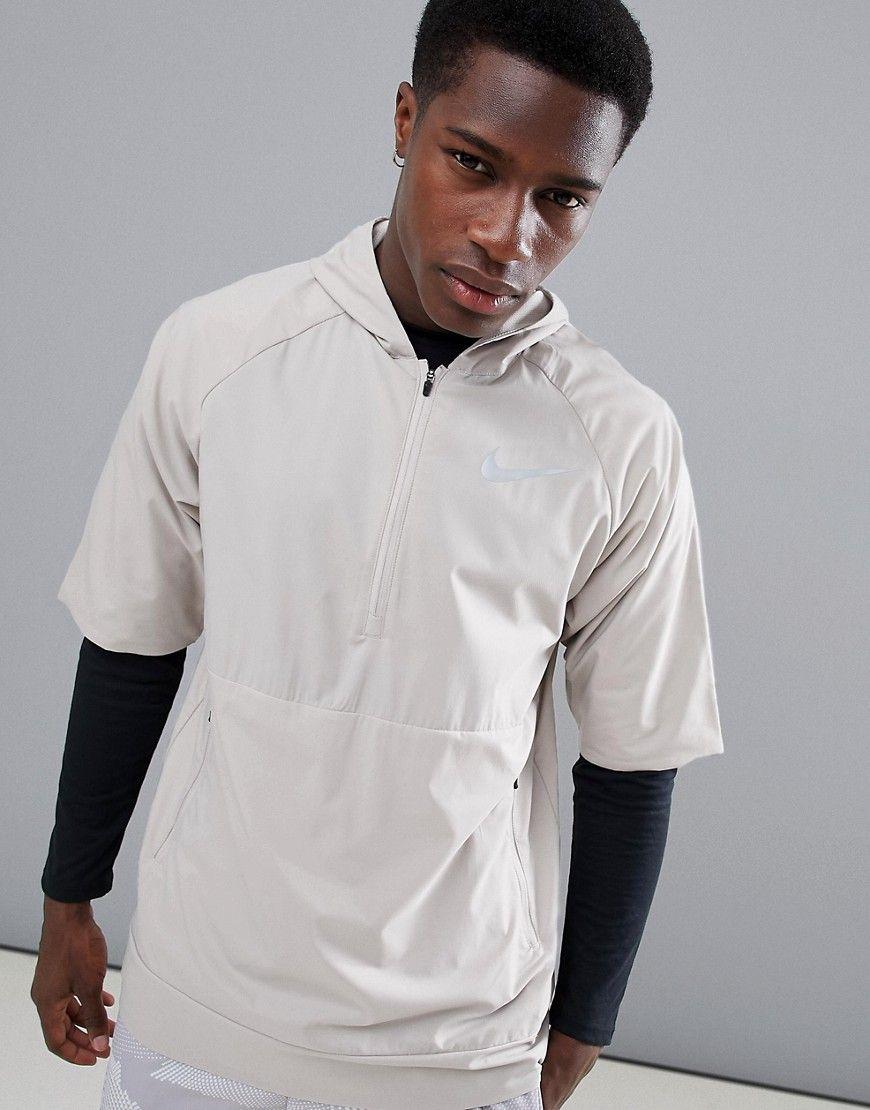 b5a4b6bce46c Nike Running - Flex - Ärmelloses Jacke in Schwarz Jetzt bestellen unter   https