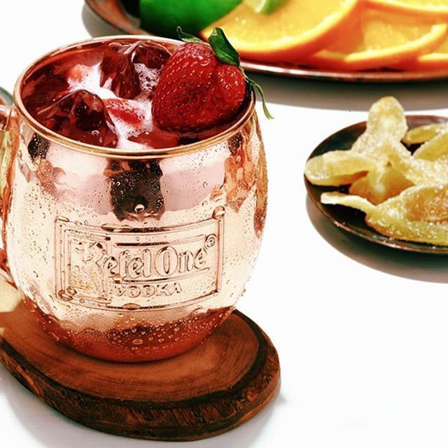 KETEL ONE VODKA STRAWBERRY MULE  INGREDIENTS 1.5 oz. Ketel One Vodka 1 oz. fresh lime juice 2 strawberries Diet Ginger Beer  HOW TO MAKE Muddle strawberries in the bottom of a mixing glass. AddKetel One Vodkaand lime juice and shake with ice. Strain into acopper mugfilled with ice. Top with diet ginger beer.  Thank you to @clevelandcocktails For always keeping us inspired with keto friendly cocktails! #vodkastrawberries KETEL ONE VODKA STRAWBERRY MULE  INGREDIENTS 1.5 oz. Ketel One Vodka 1 oz. f #vodkastrawberries