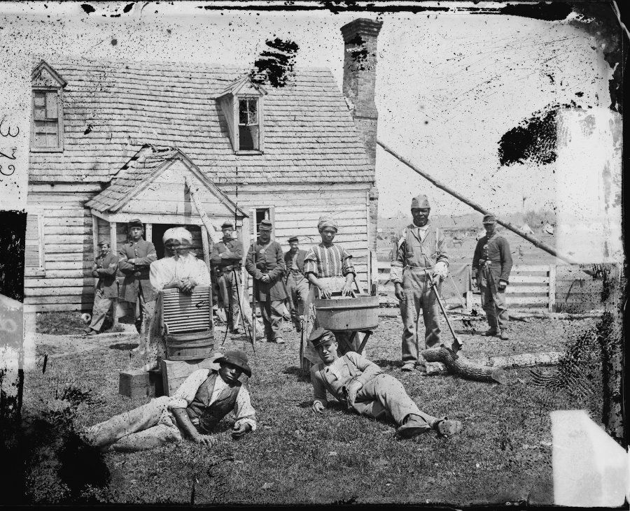 Yorktown, Virginia (vicinity). Group of contrabands at