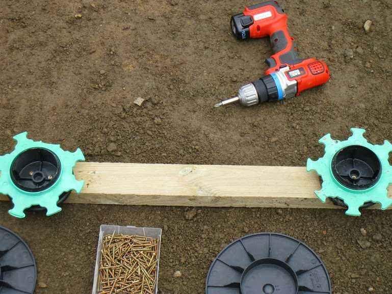 Comment Poser Une Terrasse Composite Sur Lambourdes Et Plots Terrasse Composite Terrasse Bois Et Terrasse Bois Composite