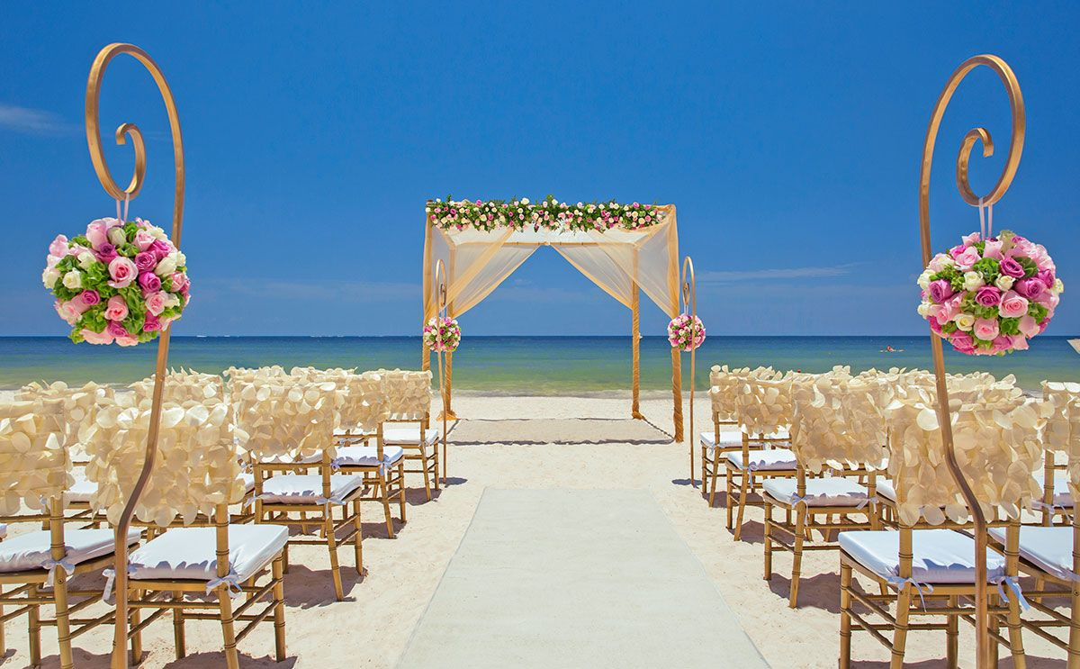 Beach destination wedding in cancun mexico by royalton for Mexico wedding packages