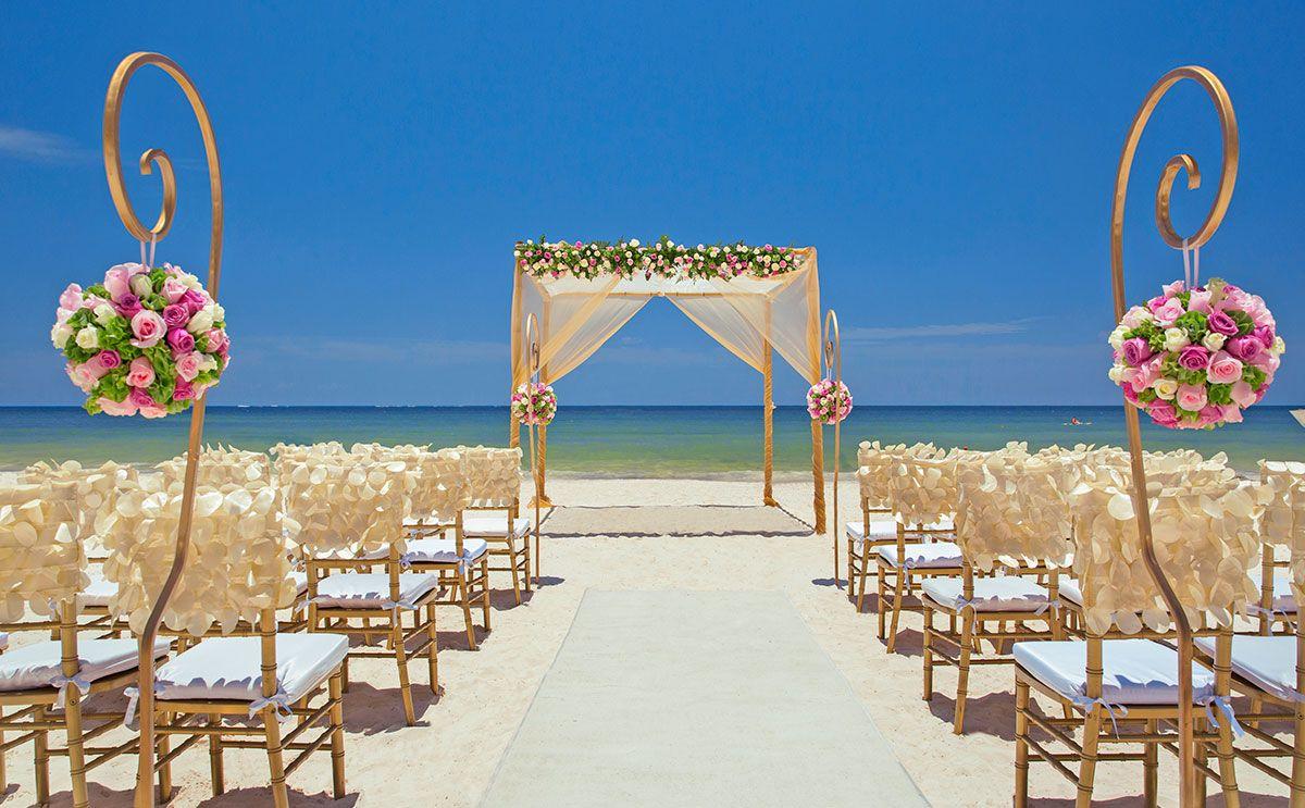 Beach Destination Wedding In Cancun Mexico By Royalton