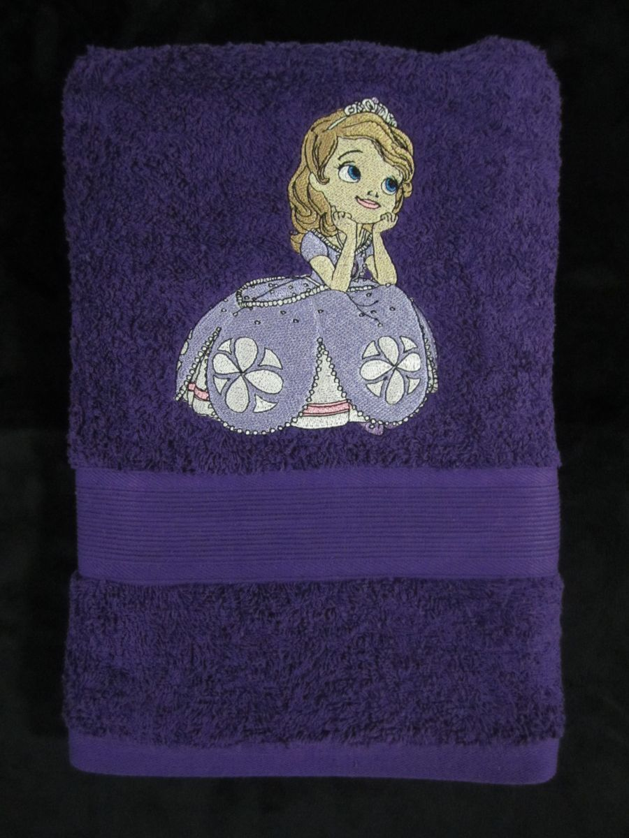 Guest Towels Hand embroidered guest towels are on pure white linen. In a  choice of