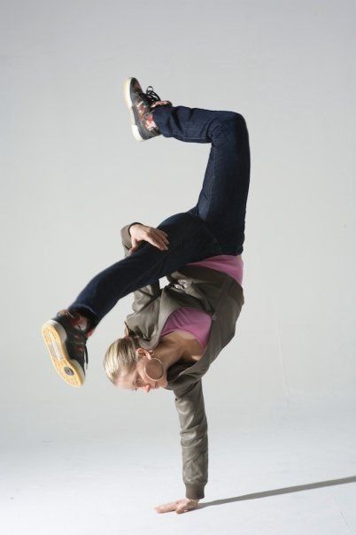 Anya Porter Breakdancing yogi Break dance, Dance poses