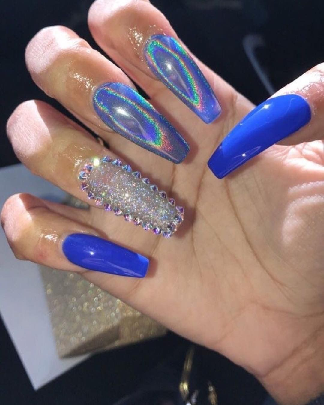 Nails ideas! blue coffin long sparkly nails chrome