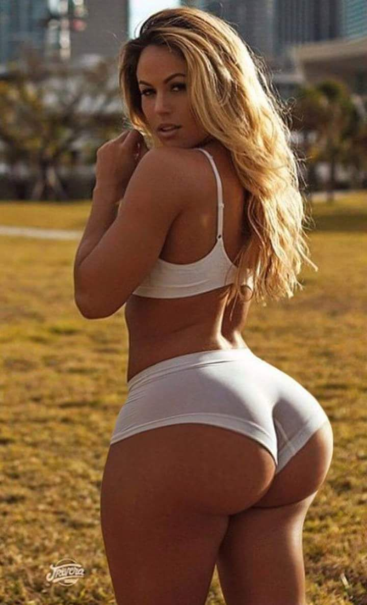 Beautiful white big booty fuck girl