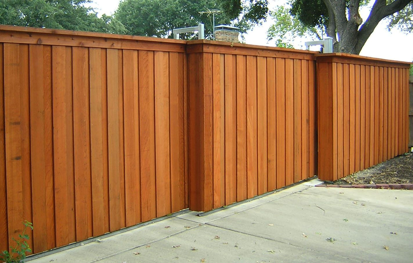 Galvanized steel frame drive gate fence dallas wood gate - Exterior Engaging Backyard Concept And Home Exterior Decoration With Mellowed Light Walnut Wood Wooden Fence Gate