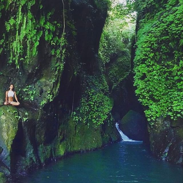 S e c r e t G a r d e n Photo courtesy @cultoflee Photo location : Secret Garden Sambangan Village Sukasada Buleleng Bali Secret Garden offers a refreshing swim at such a well hidden site in village of northern Bali. When dry season comes water is almost transclucent that you can see the bottom of the pool clearly. As the sun starts to radiate through this secret garden here we can relax and swim. To get here when you reach Sambangan go towards direction to Banyumala river. If you still want to