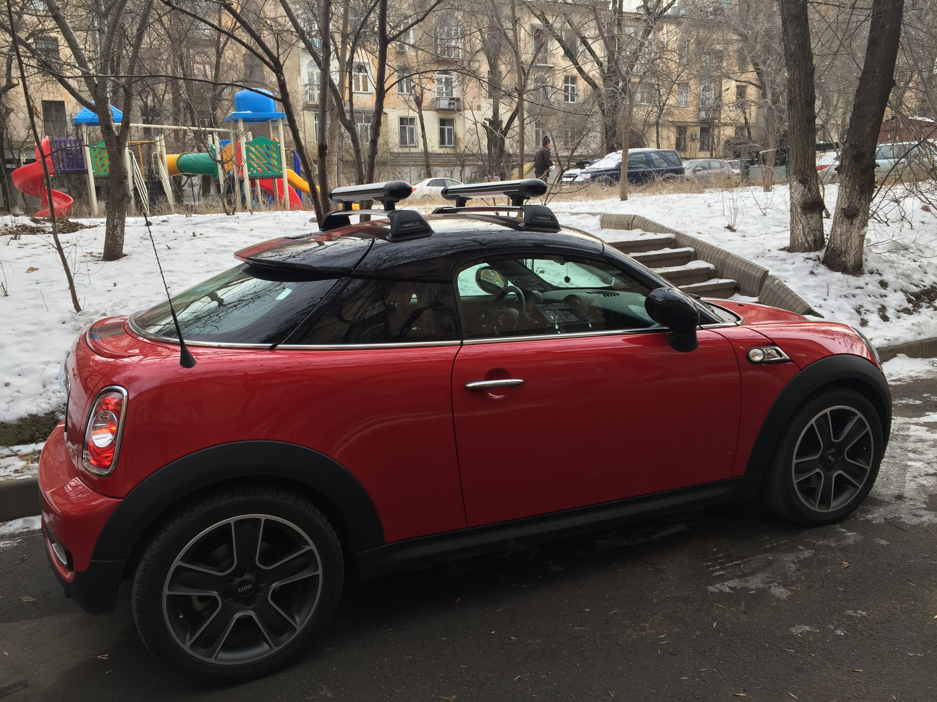 mini cooper s coupe roof rack snowboard mini coupe cooper roof rack snowboard s cargo. Black Bedroom Furniture Sets. Home Design Ideas