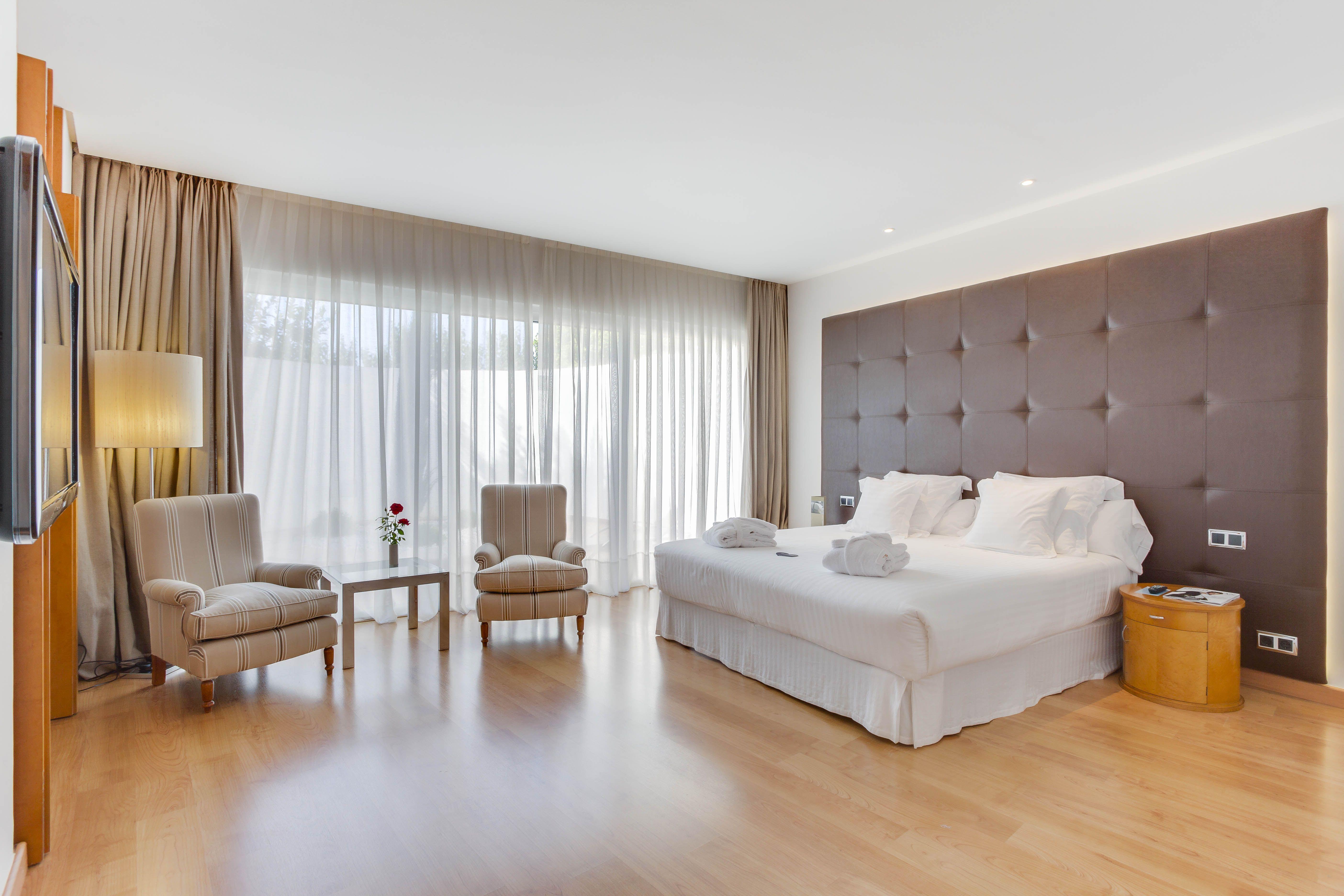 Habitaciones Hotel Barcel Sevilla Renacimiento Habitaciones Del  # Muebles Tubulares Ponce