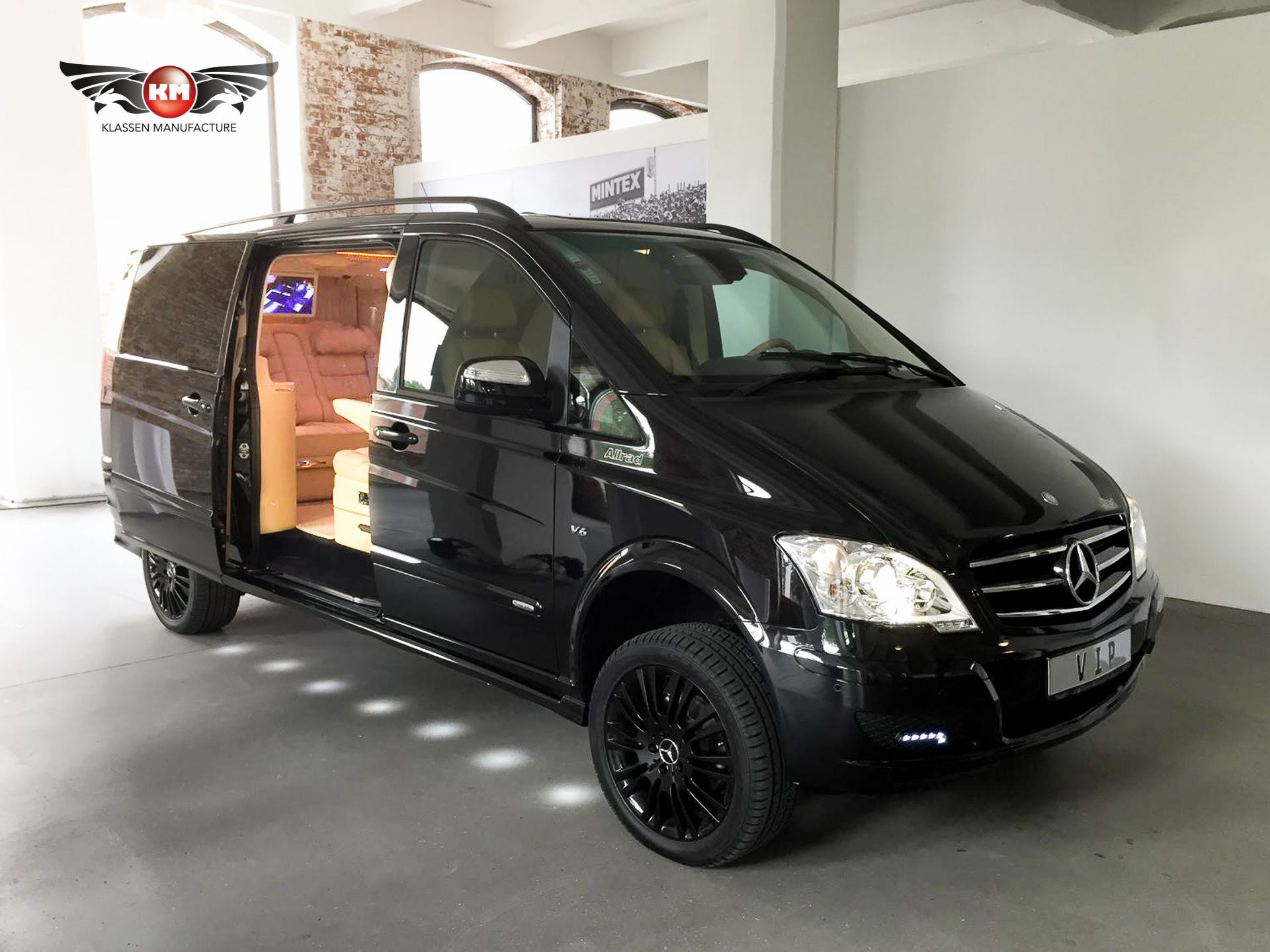 mercedes benz viano 3 5 v6 4matic vip edition luxury van. Black Bedroom Furniture Sets. Home Design Ideas